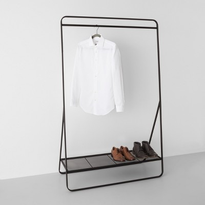 Clothes rack: The helpers for order in the corridor