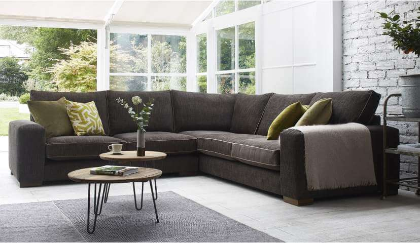 Corner Sofas: Better sitting over corner