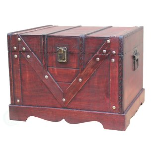 Decorative chest: As noble as a precious heirloom