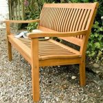 Garden benches: sit comfortably outside