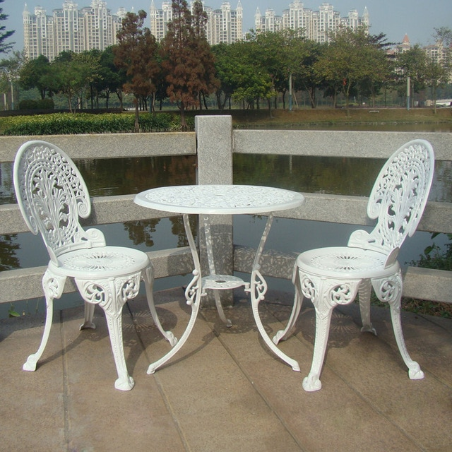 CAST ALUMINIUM GARDEN FURNITURE SET ~~ TABLE AND 2 CHAIRS