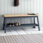 The hallway benches: functional, spacious and decorative