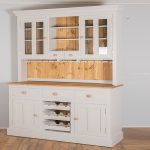 Create with kitchen cabinets storage space in the kitchen!