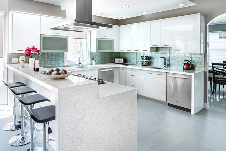 Advantages of high-gloss kitchen cabinets | Fabuwood Blog