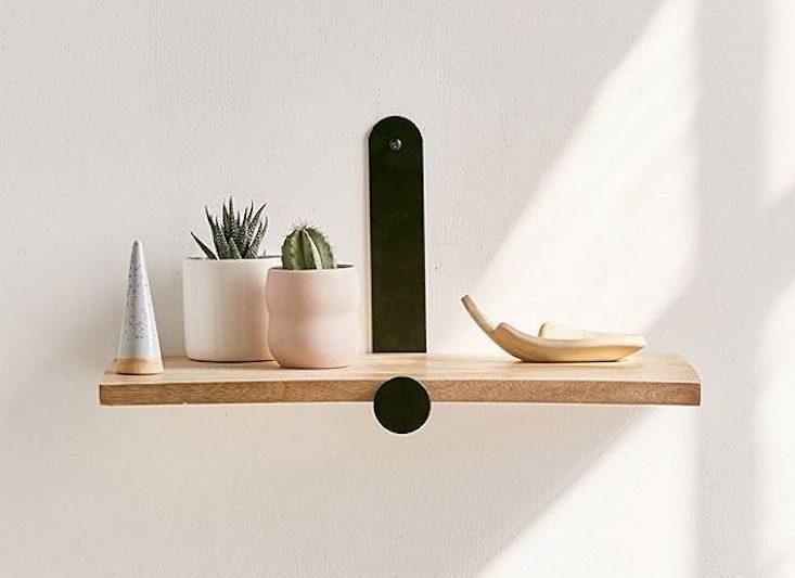 Wall shelves – open, airy, modern