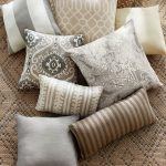 Outdoor Pillows – From clean to patterned