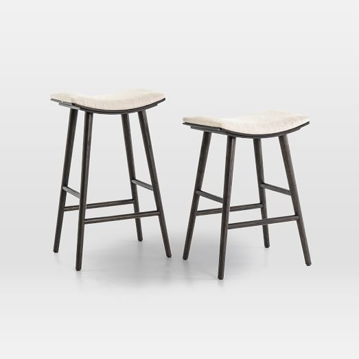 Upholstered stools: Cozy!