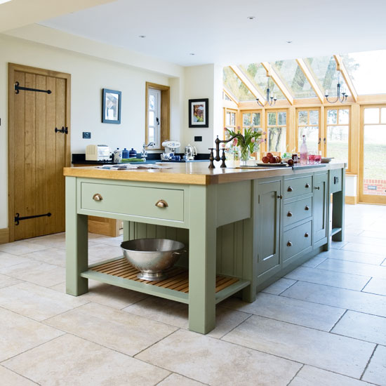Take a tour around a painted country-style kitchen | Ideal Home