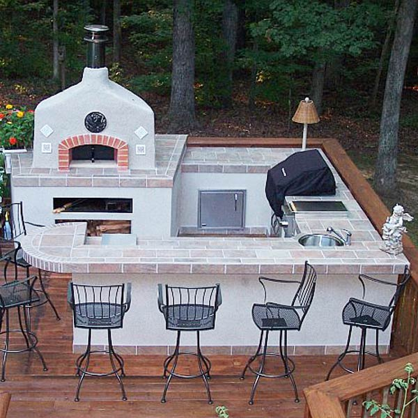 Straight Outdoor Kitchen in Natural Stone | Archadeck Outdoor Living