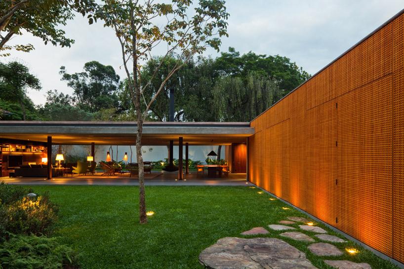 Modern garden   Interior Design Ideas.