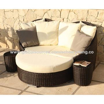 China PE Poly Rattan garden classics rattan sofa set Sun Loungers