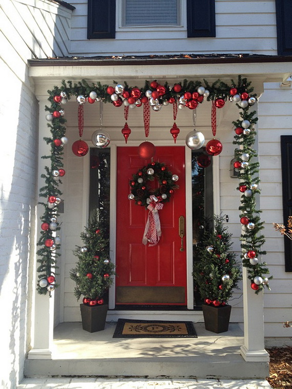 56 Stunning Christmas Front Door Décor Ideas - family holiday.net