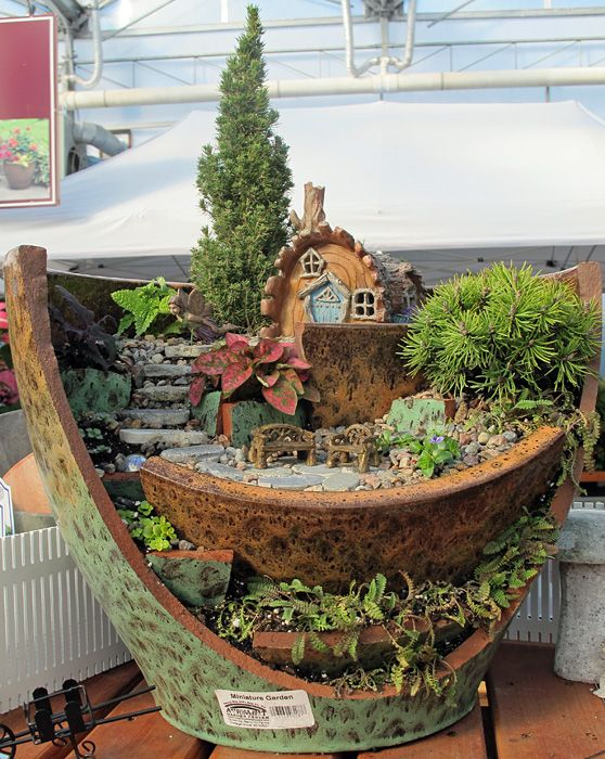17 of The Coolest DIY Fairy Garden Ideas For Small Backyards | Fairy