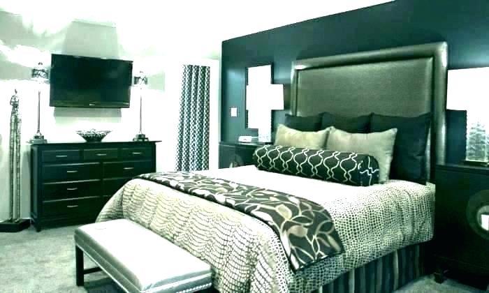 Bedroom Designs With Dark Wall 10