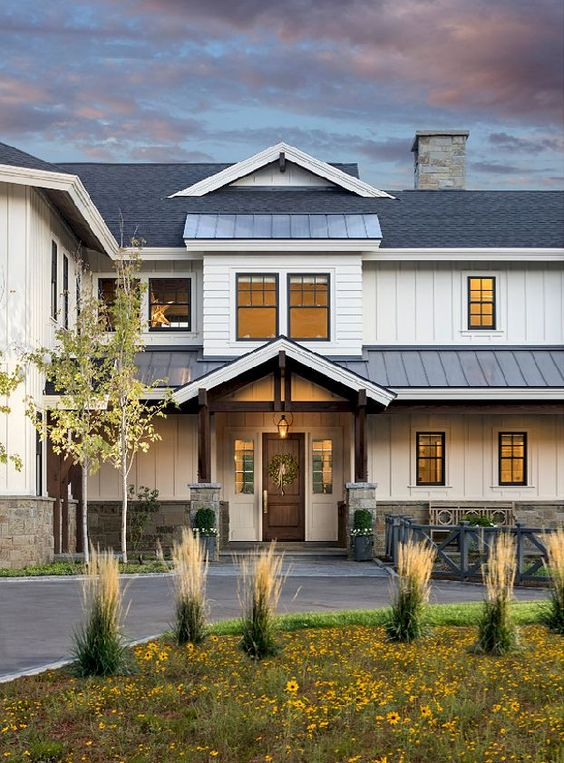 40 Best Modern Farmhouse Exterior Design Ideas -
