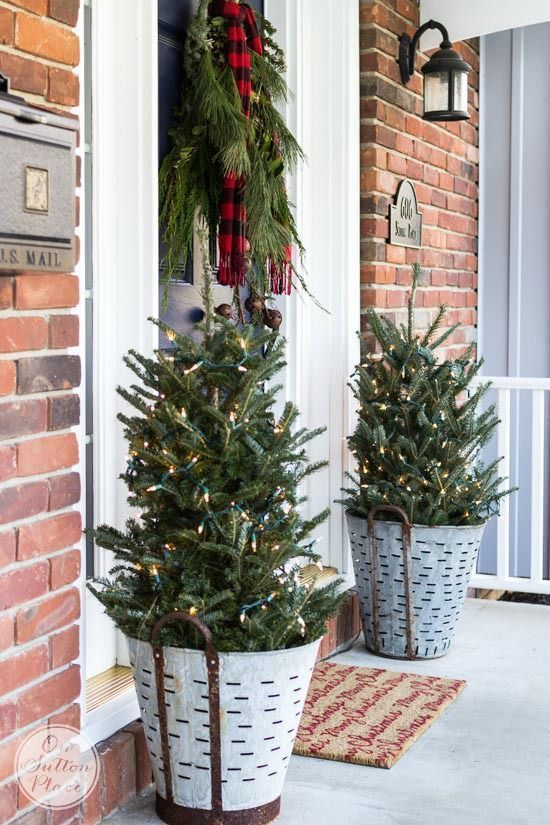 Ways to Use Metal Olive Buckets in Your Farmhouse Decor | Christmas