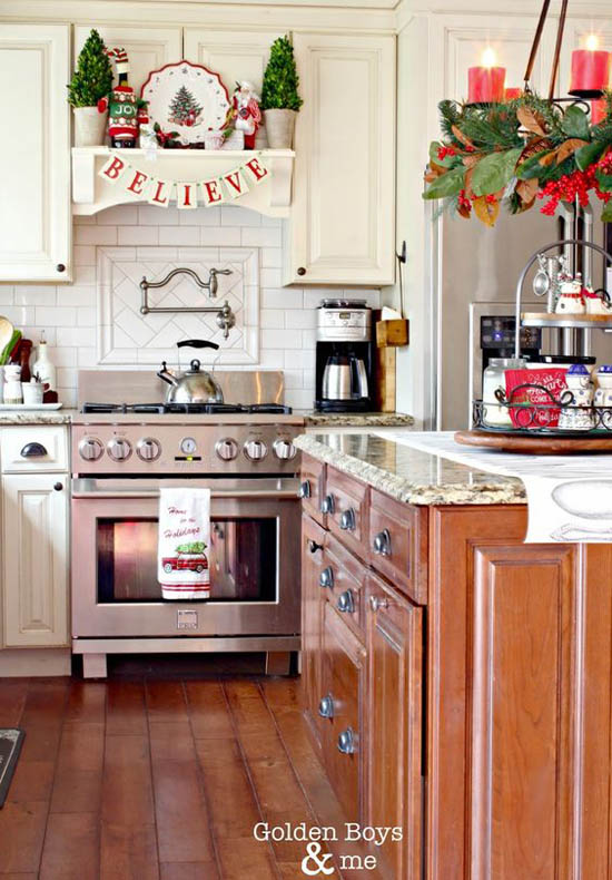 30+ Stunning Christmas Kitchen Decorating Ideas - All About Christmas