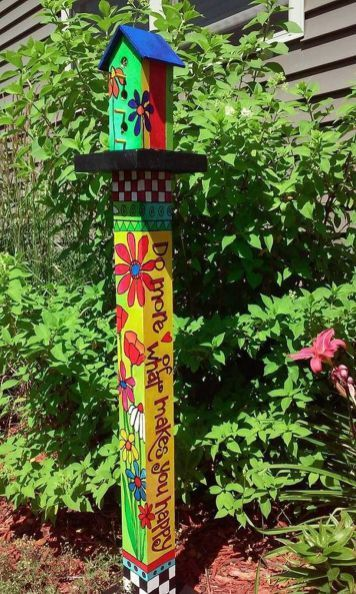 Colorful Peace Poles Design Ideas 18 | Hand painted furniture