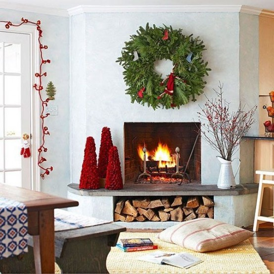 55 Dreamy Christmas Living Room Décor Ideas - DigsDigs
