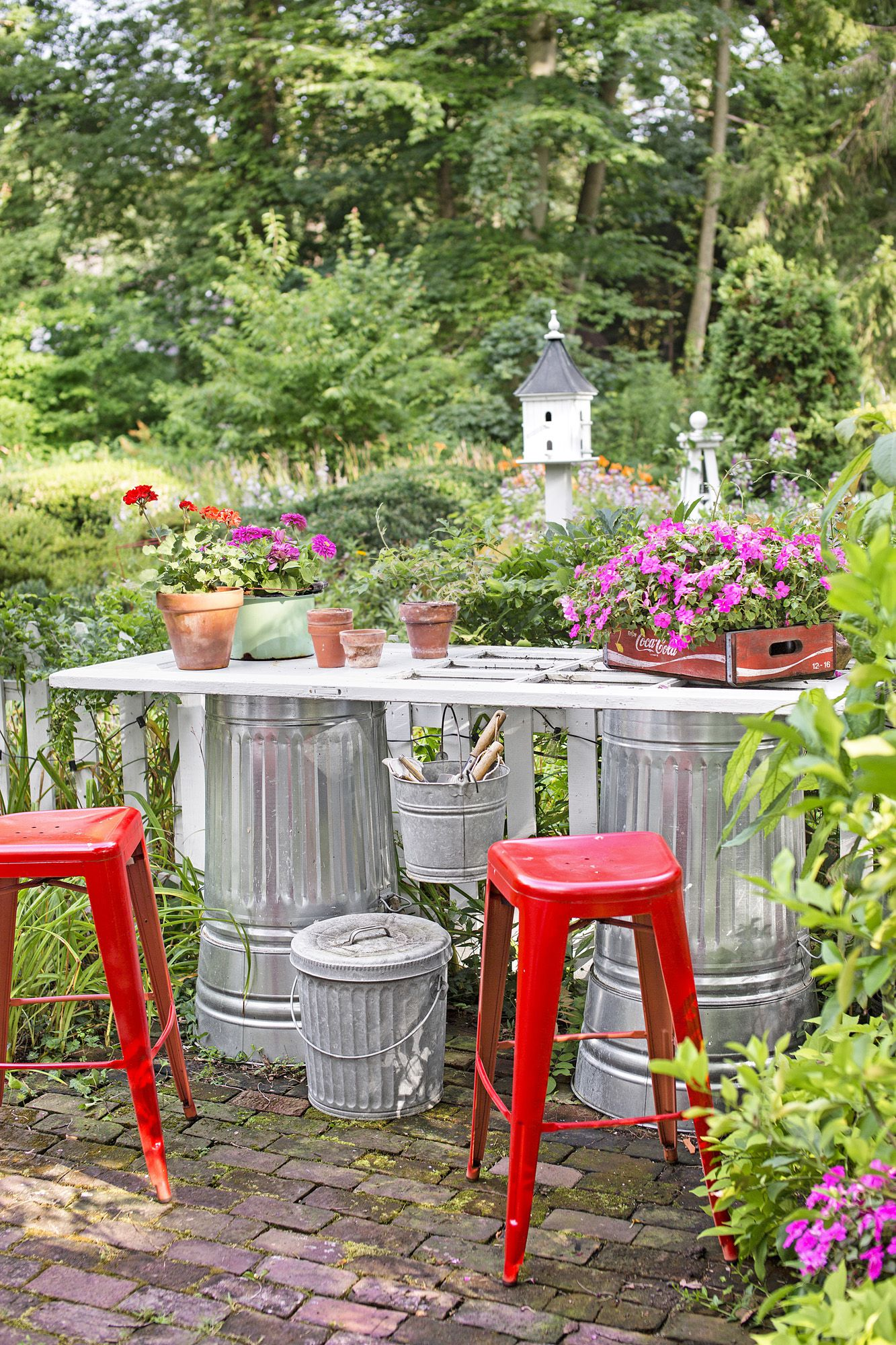82 DIY Backyard Design Ideas - DIY Backyard Decor Tips
