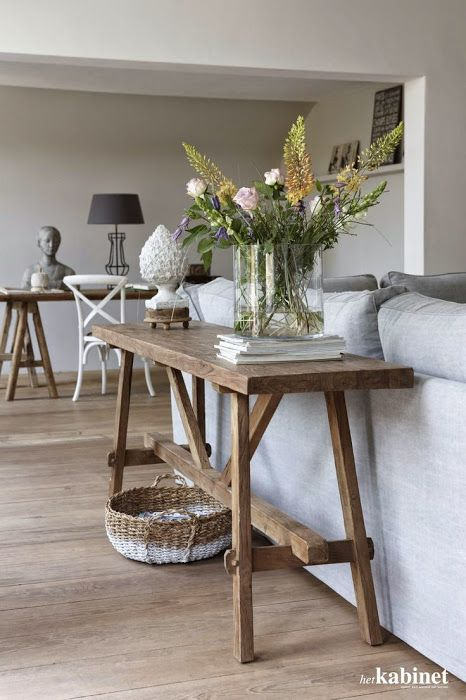 Inspiratie: sidetable achter de bank | Home: Furniture | Living Room