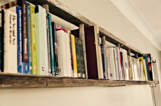 Cool Bookshelf Ideas: DIY Bookshelves From Recycled Materials
