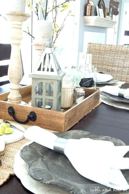 Farmhouse Coffee Table Decor Ideas 8