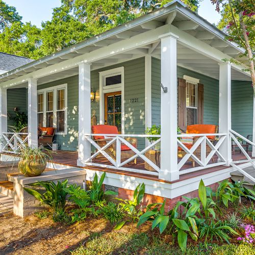 Front Porch Design Ideas, Remodels & Photos | Houzz | ESC Pergolas