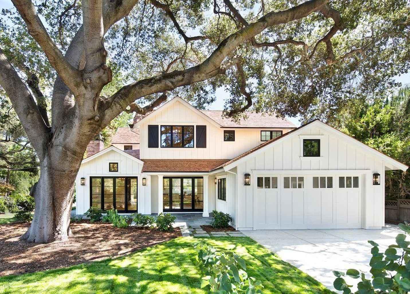 70 Best Modern Farmhouse Exterior Design Ideas - decorapatio.com