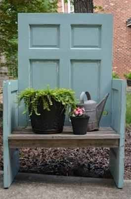 20 Simple and Creative Ideas Of How To Reuse Old Doors | Garden