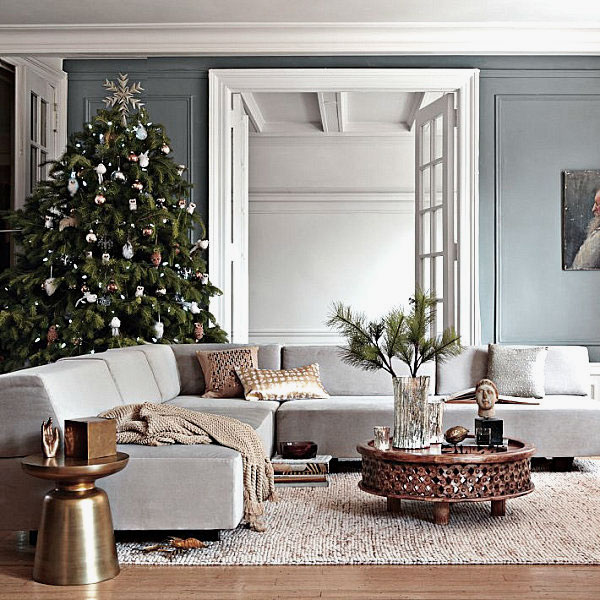 Marvelous Living Room with Metallic Christmas Decor