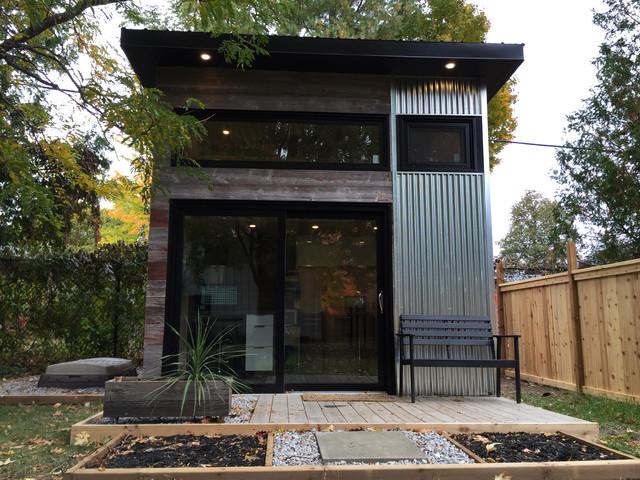 Backyard Modern Studio - Modern - Shed - Toronto - by Level Design Build