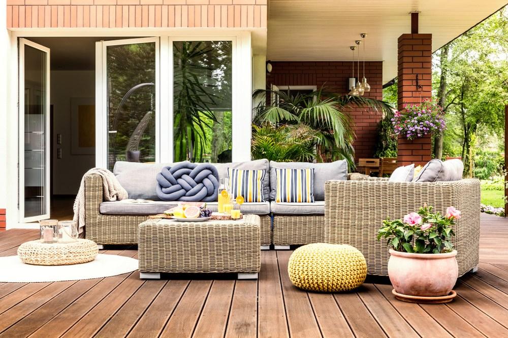 Outdoor Curtain Ideas Make Garden Colorful 11