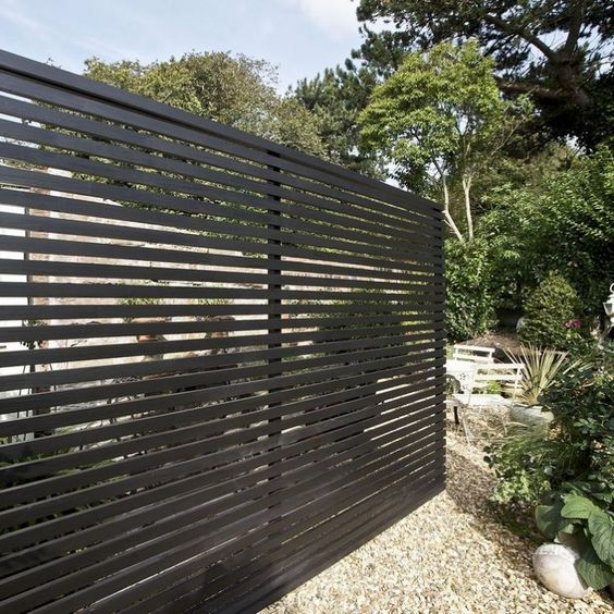 34 Privacy Fence Design Ideas To Get Inspired - DigsDigs