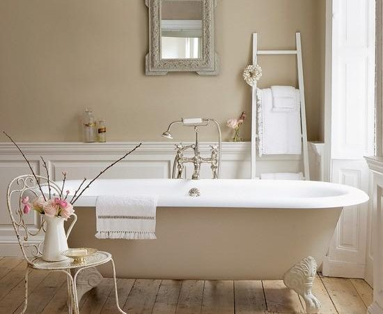40+ Handy Bathroom Decorating Ideas For Homes Of All Sizes