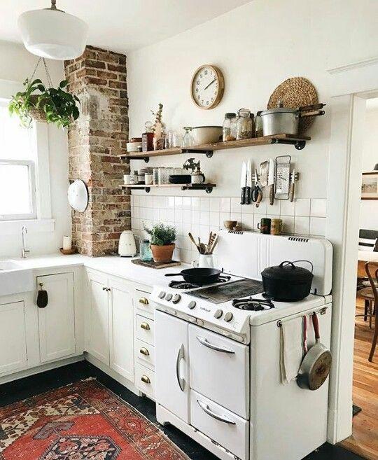 Cute and cozy kitchen   Kitchen Design in 2019   Kitchen decor