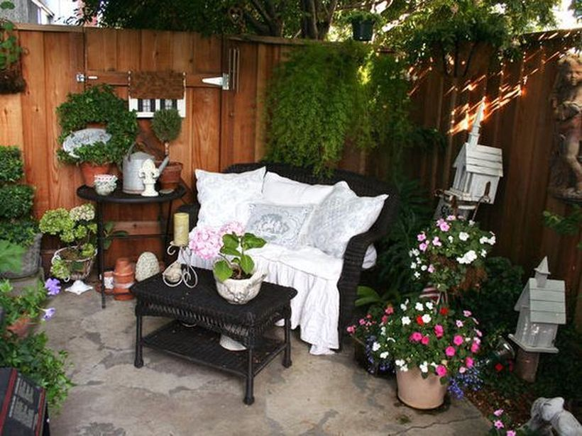 45 Awesome Small Patio on Budget Design Ideas - DecOMG