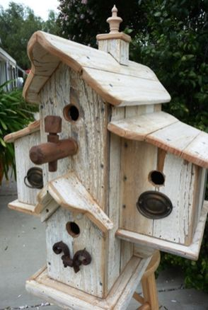 60 Inspiring Stand Bird House Ideas for Your Garden Decorations