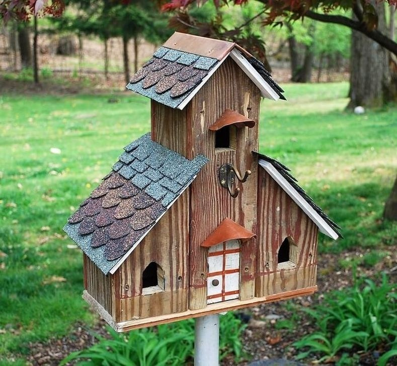 99 Stunning Stand Bird House Ideas For Garden - 99BESTDECOR