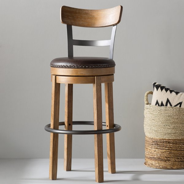 Bar stools for cozy hours – simply comfortable!