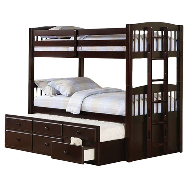 The bunk bed: space-saving and child-friendly!