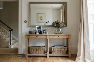 Hallway Furniture | Console Tables | Sideboards | Holloways