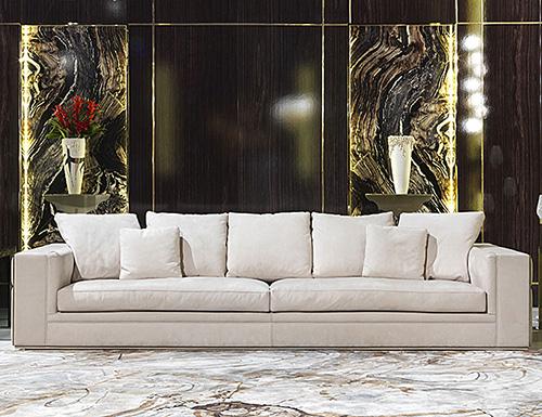 Luxury & Designer Italian Furniture: Nella Vetrina
