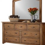 Solid wood chest of drawers for storage space and a natural ambience!