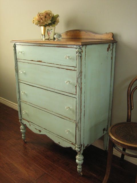 Painted, vintage furniture is so easy to live with- P.S. Vintage