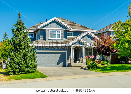 Big custom made luxury house with nicely landscaped and trimmed