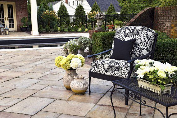 Top Outdoor Furniture Trends to Watch Out For in 2017 | Unilock
