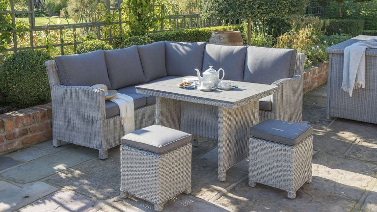 Tips to Decorate your Rattan Garden Furniture - AleshaTech