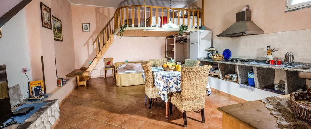 Granny flat - one-room apartment souterrain with sun terrace on the