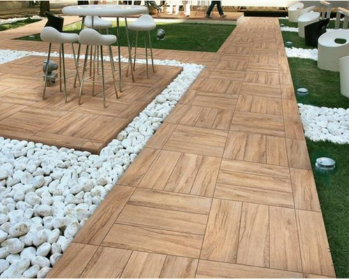 Wooden tiles for the terrace